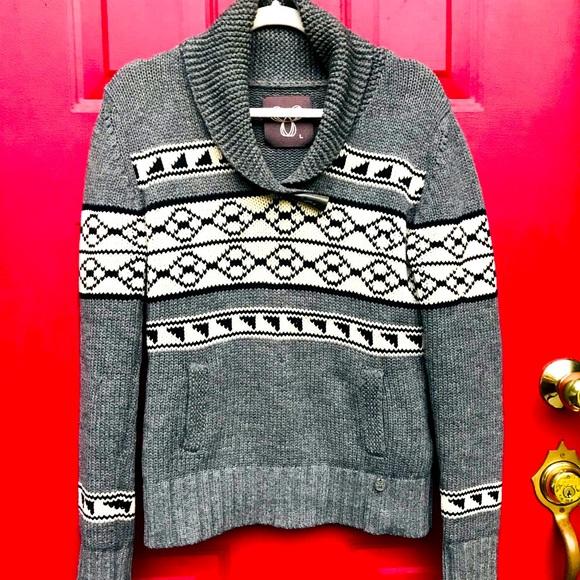 🌼Aritzia TNA Sweater